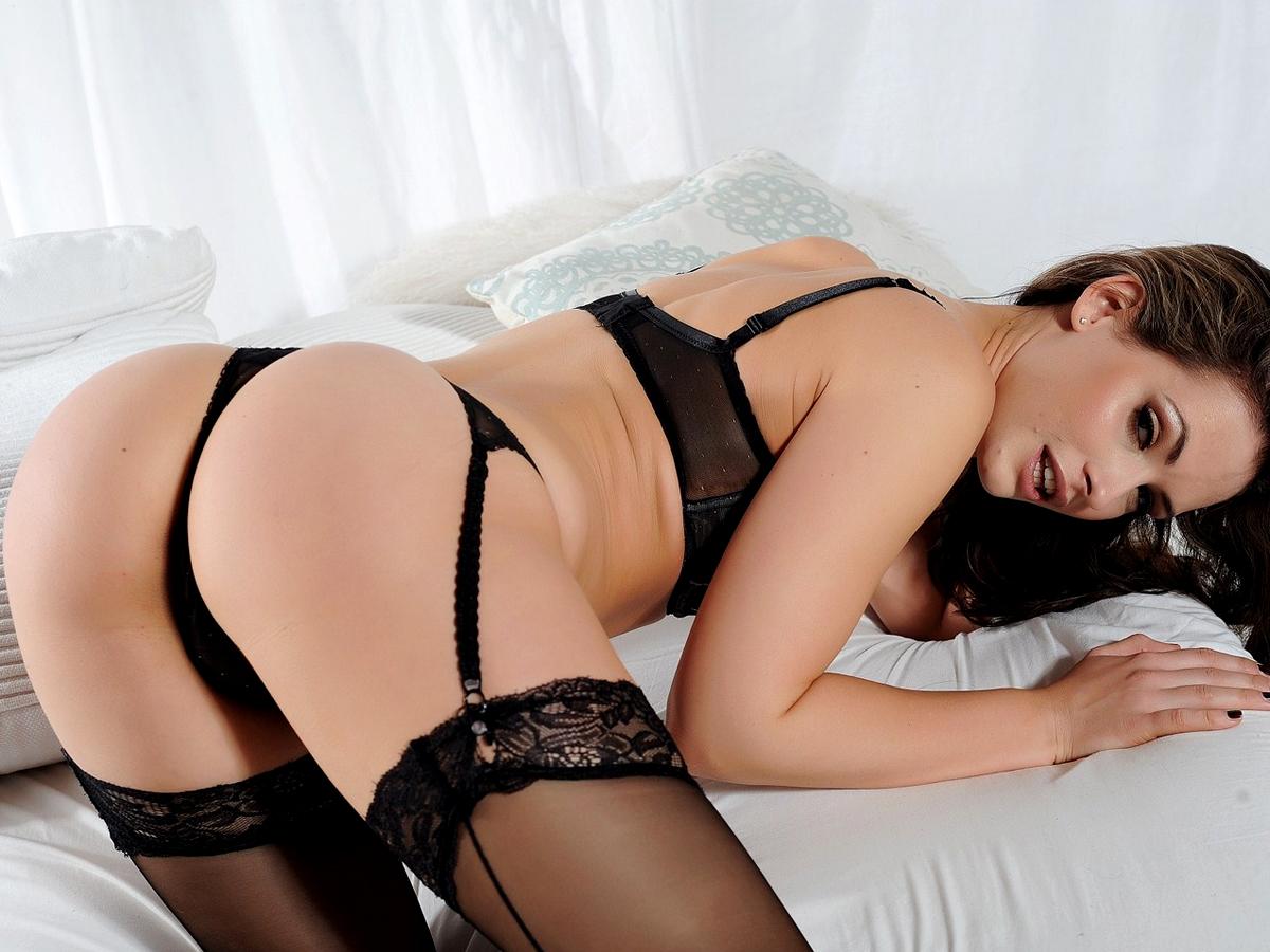 Anastasia-Harris-Topless-in-Lingerie-Photoshoot-01