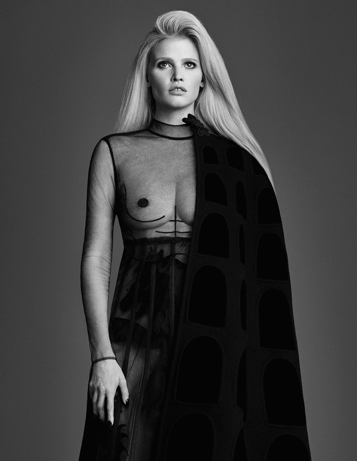 Lara Stone topless photos (3)