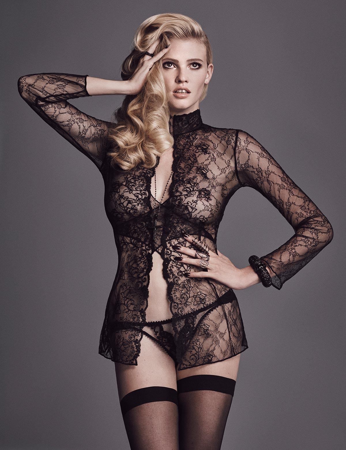 Lara Stone topless photos (4)