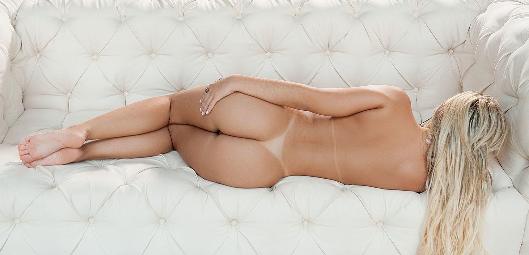 Liziane-Soares-Nude-3