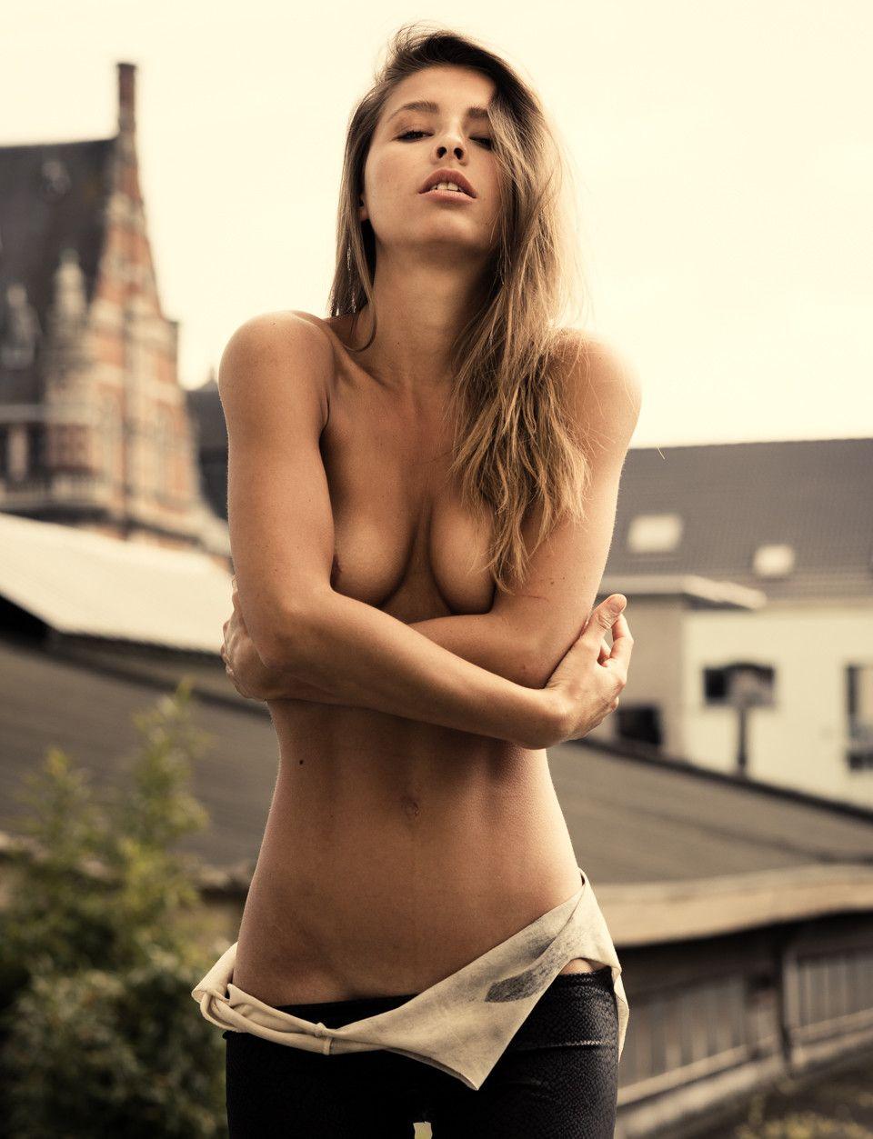 Marisa-Papen-Topless-12