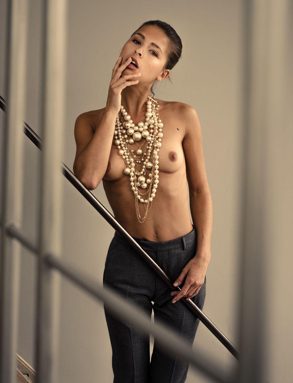 Marisa-Papen-Topless-62