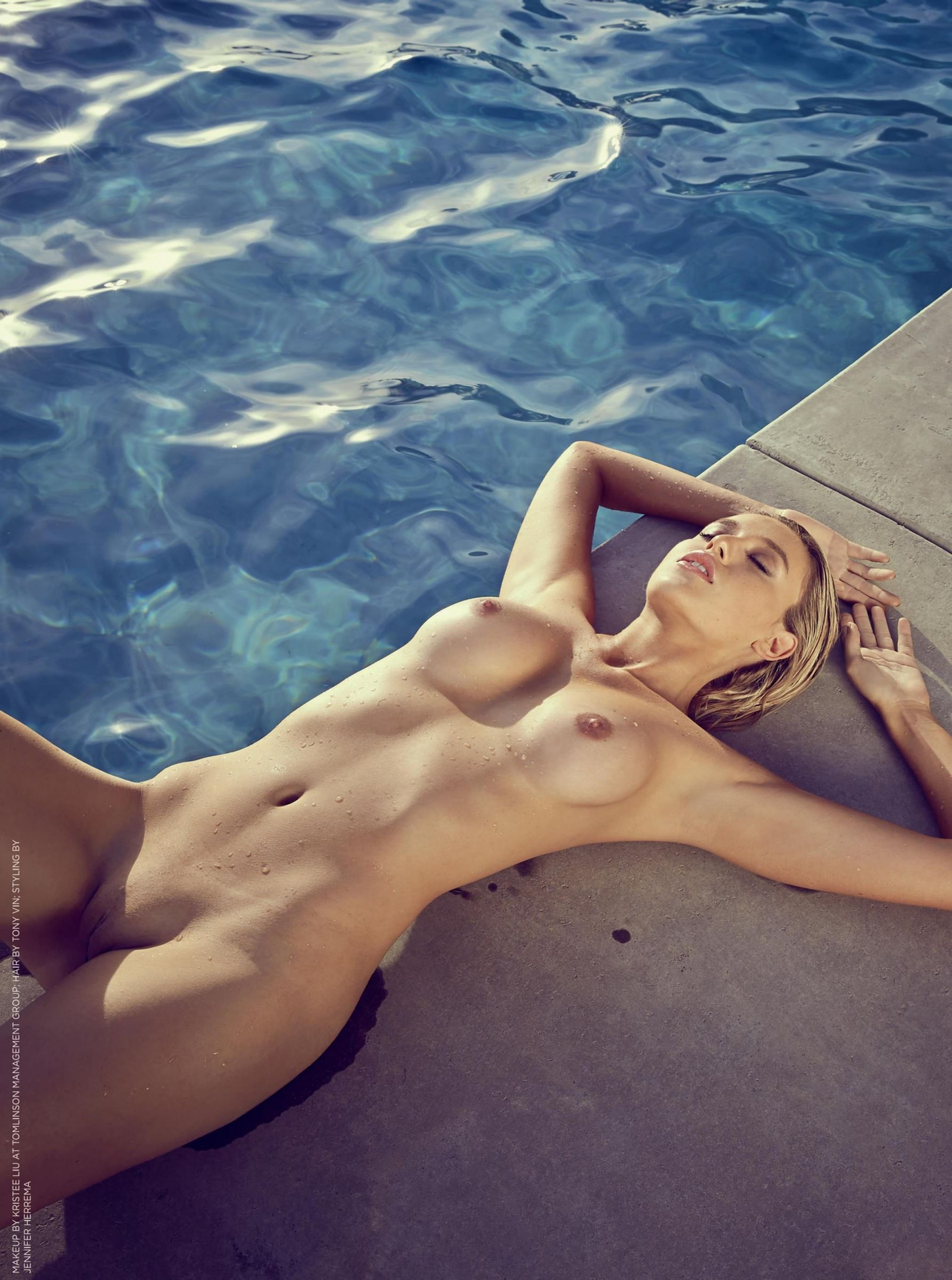 Super hot naked women