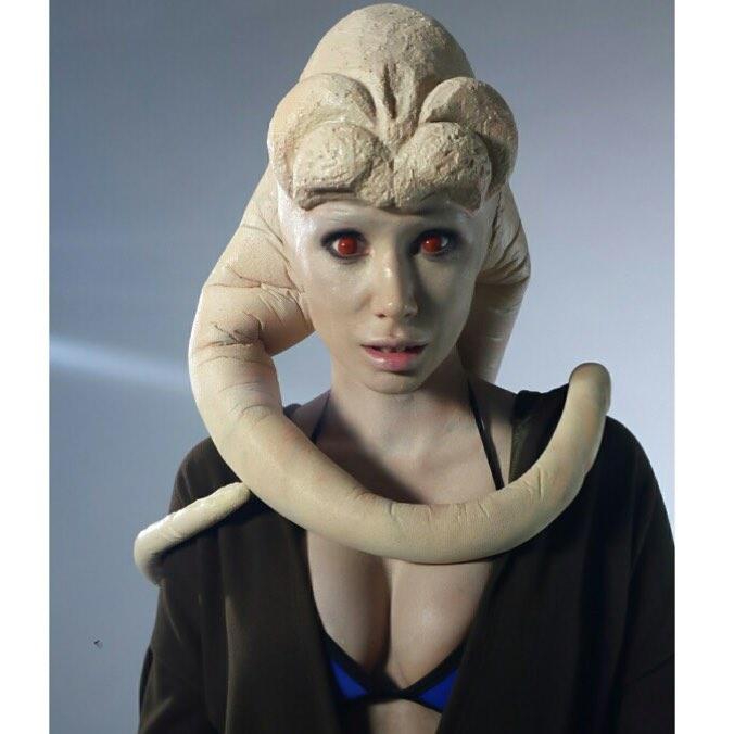 Sara Jean Underwood sexy pics (2)