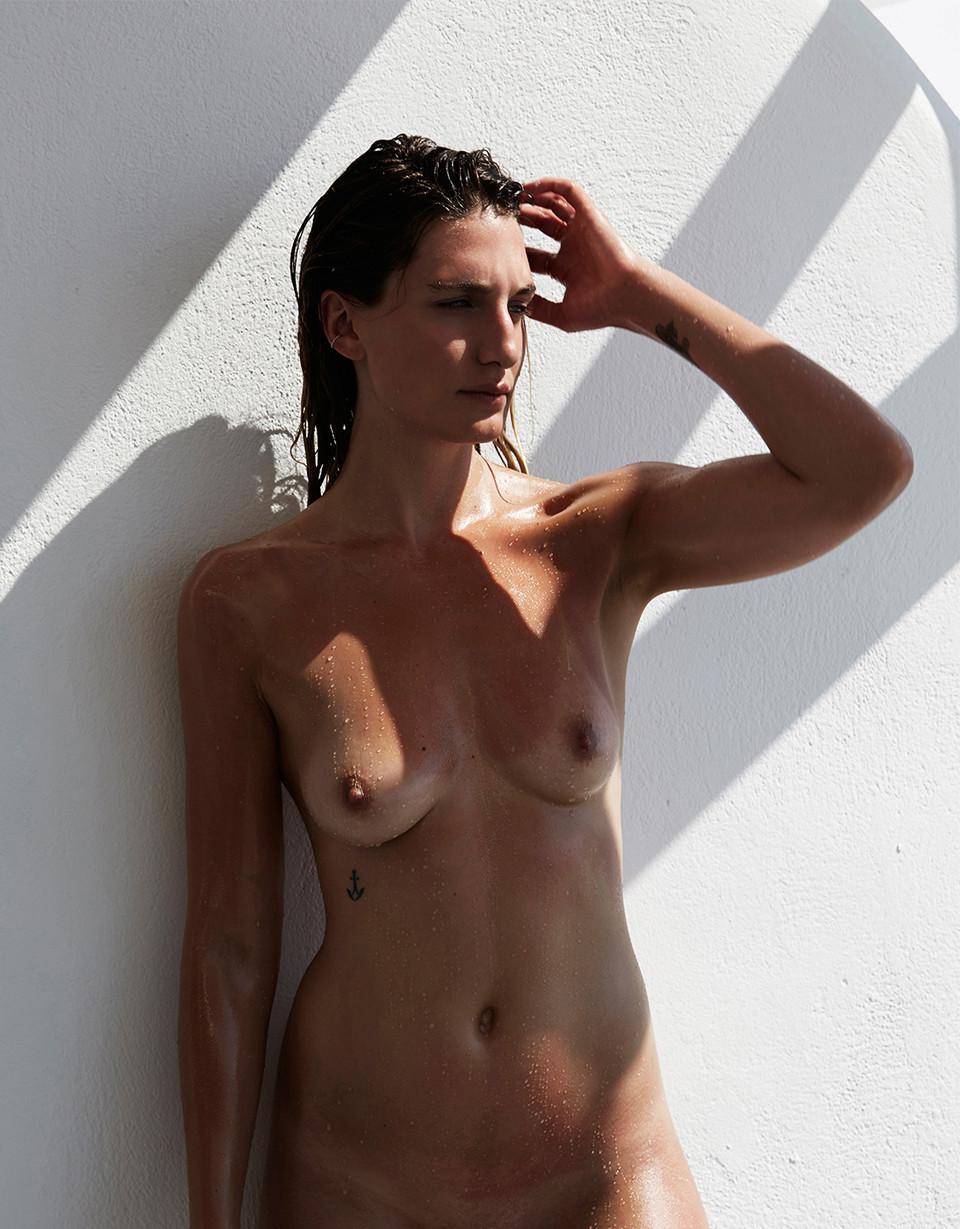Uma thurman nude with dildo