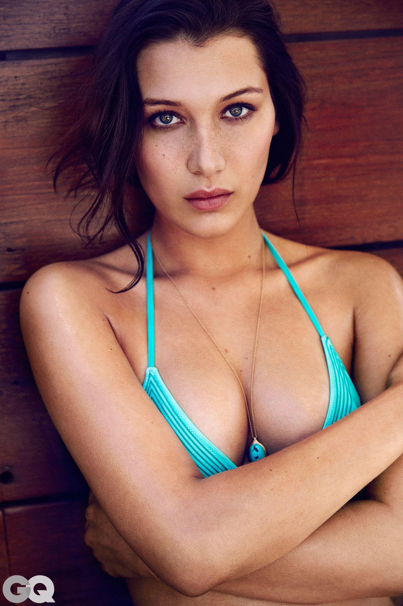Bella-Hadid-Sexy-4