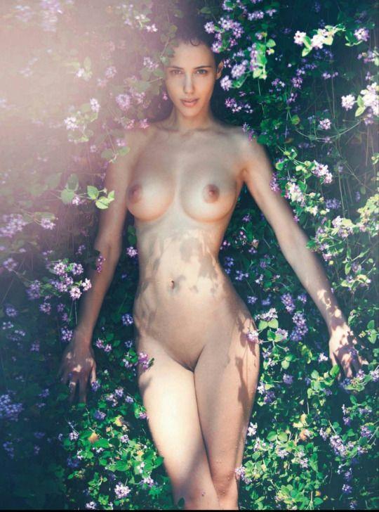 Elisa-Meliani-Nude-9