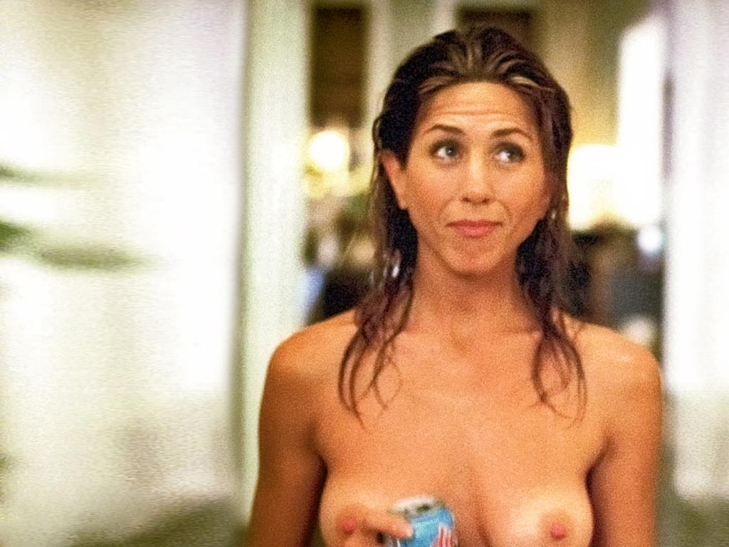 Jennifer Aniston Topless photo