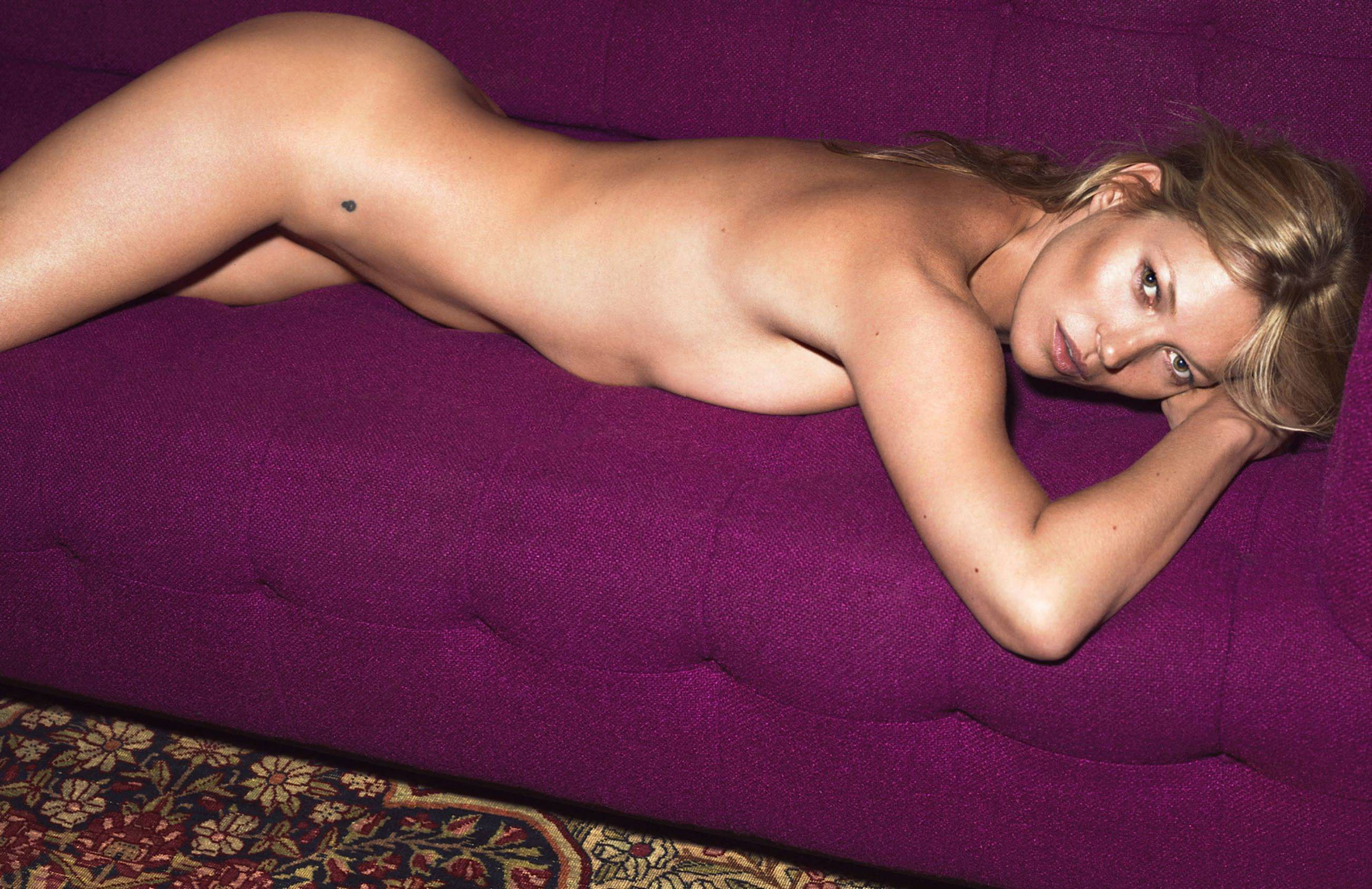 Kate-Moss-Topless-13
