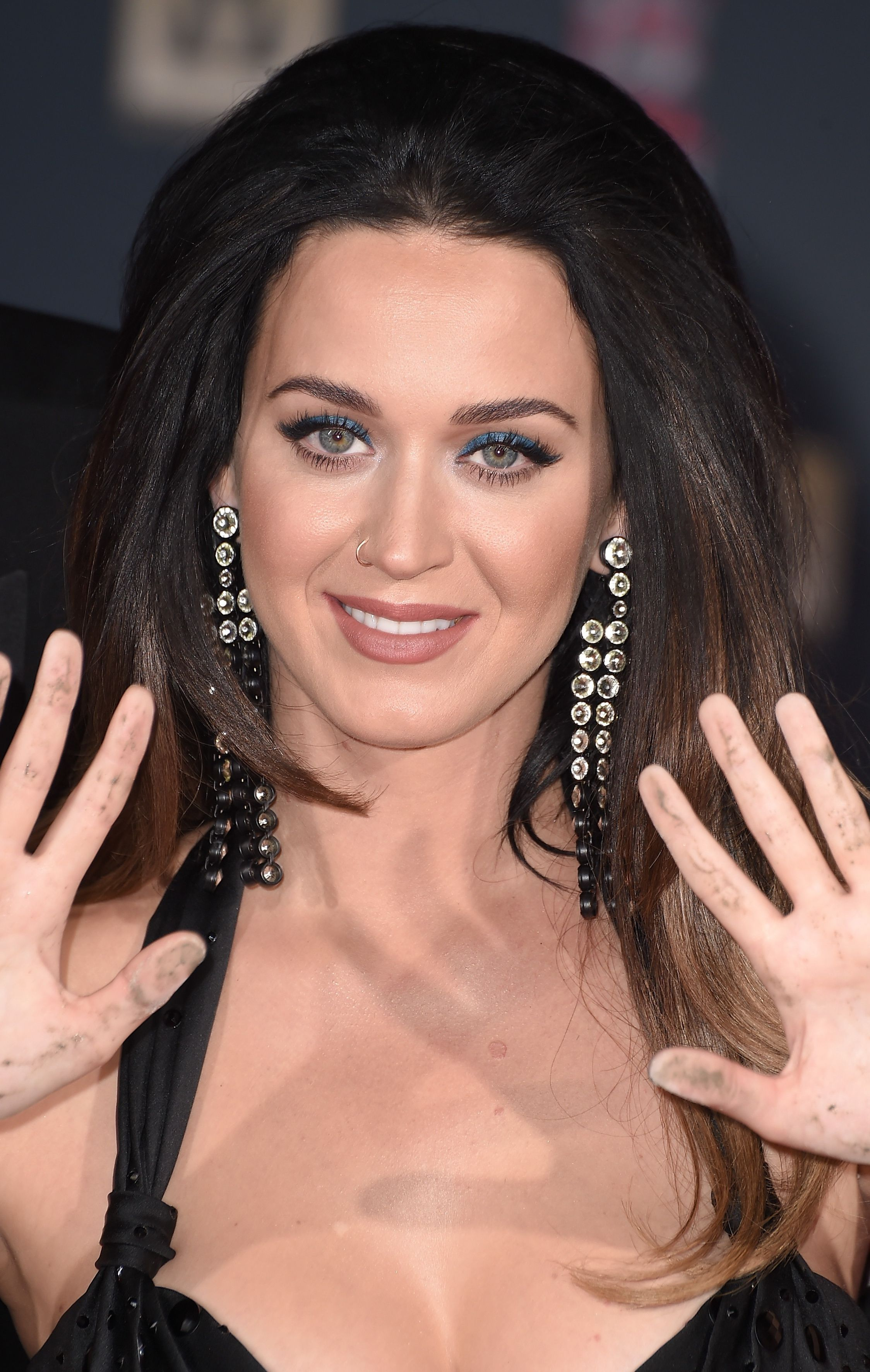 Katy-Perry-Cleavage-81