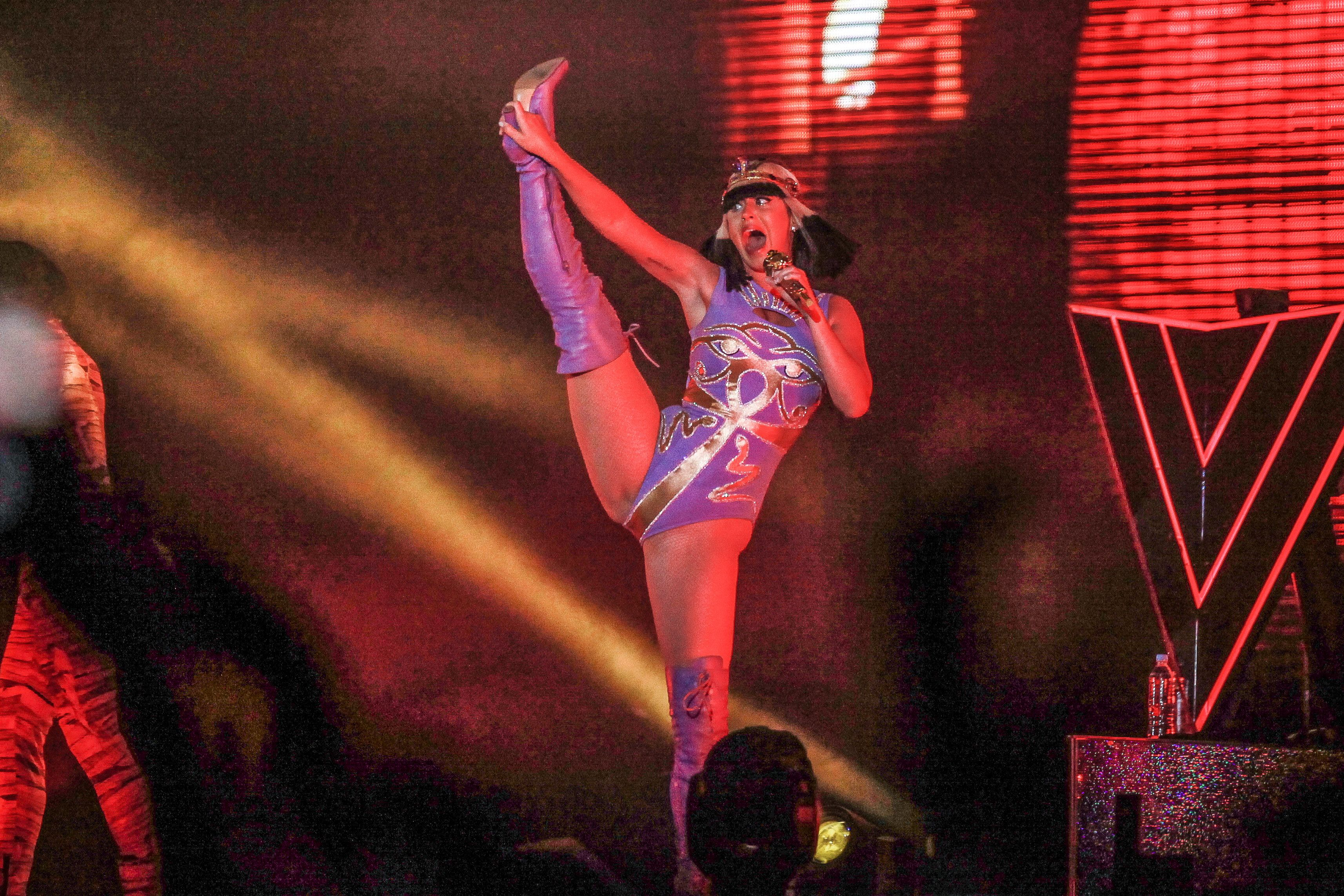 Katy-Perry-Sexy-1 (1)