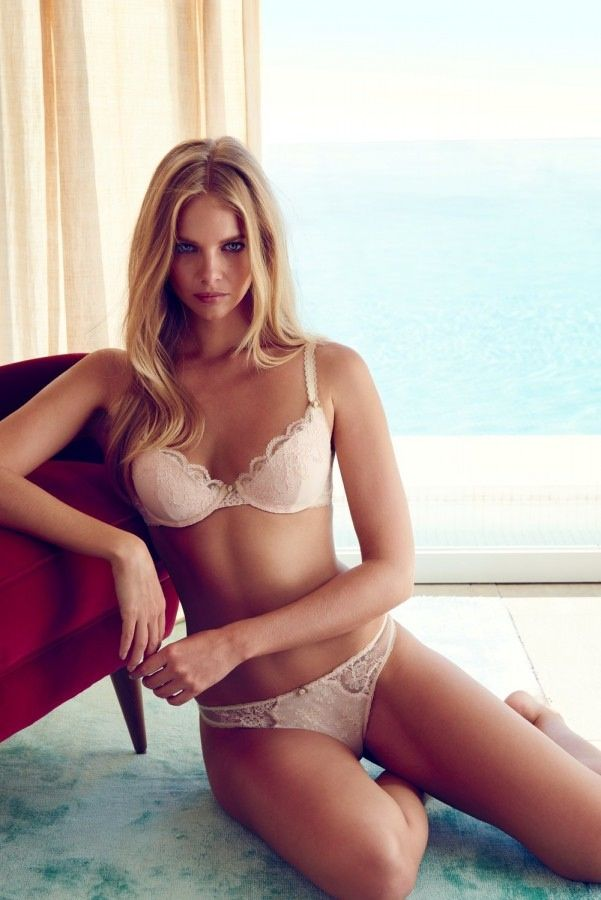 Marloes-Horst-in-a-Lingerie1