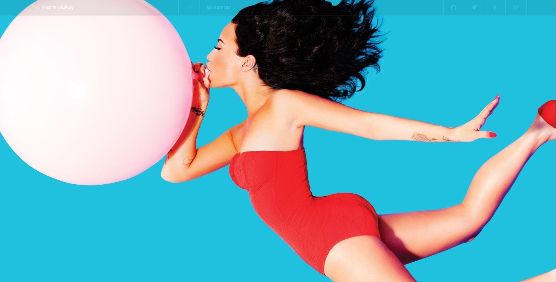 Demi-Lovato-Sexy-Topless-2