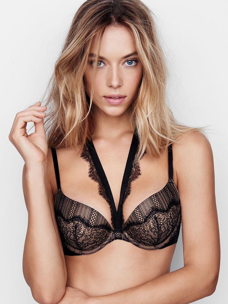 Hannah-Ferguson-Sexy-18