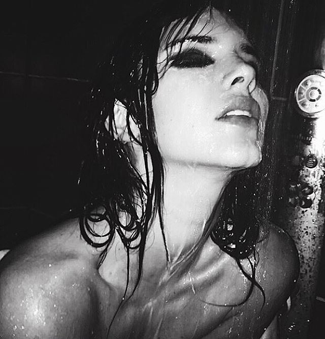 Kendall-Jenner-Topless-2