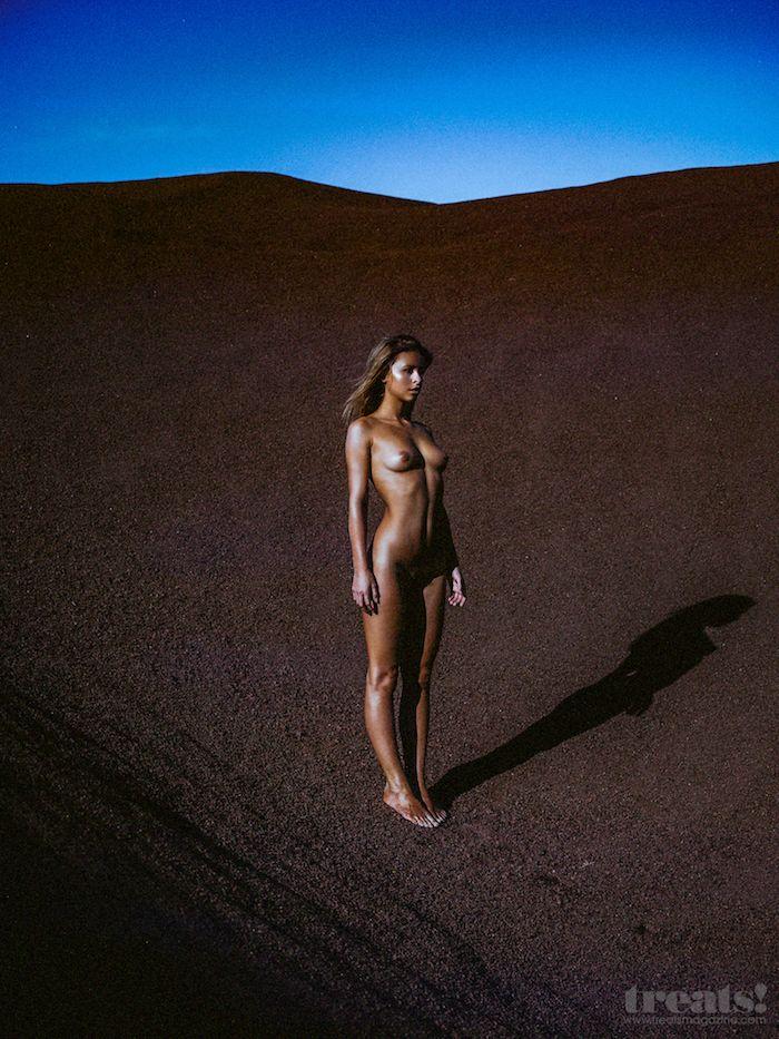 Marisa-Papen-Naked-8