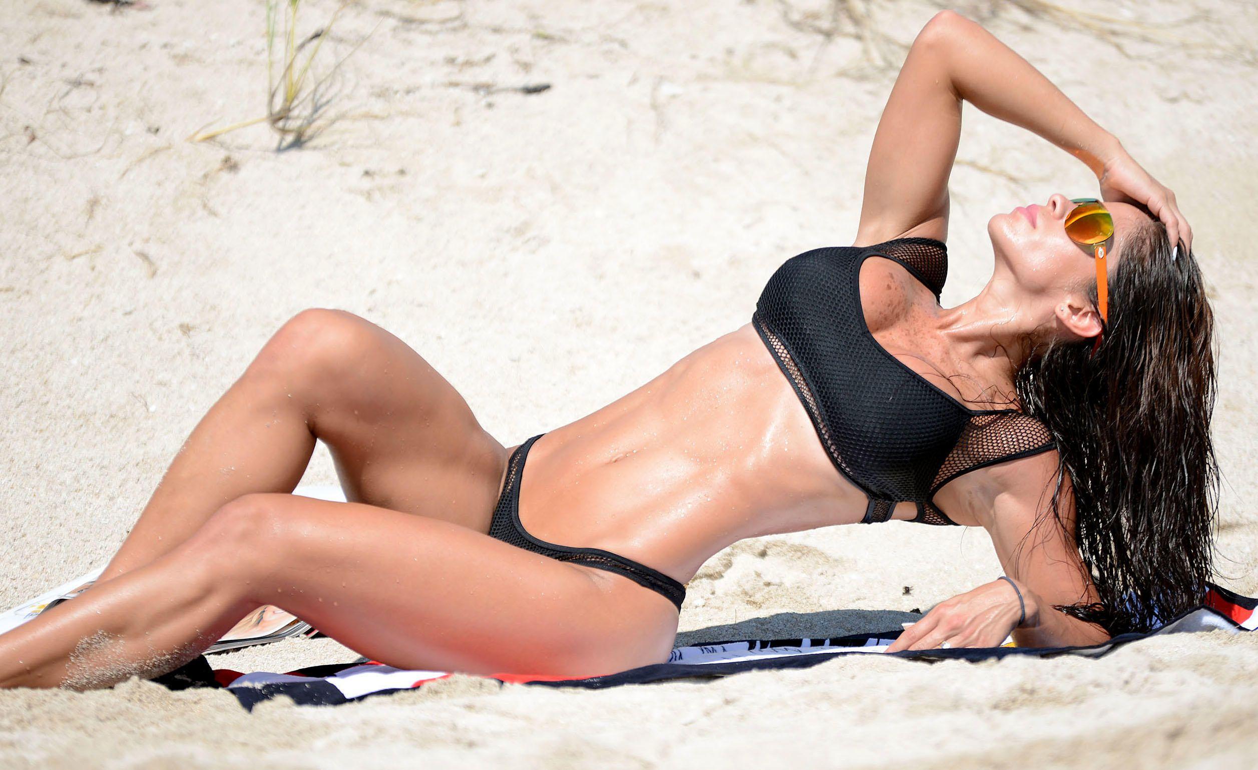 Michelle-Lewin-Bikini-3