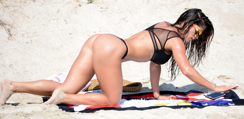 Michelle-Lewin-Bikini-4
