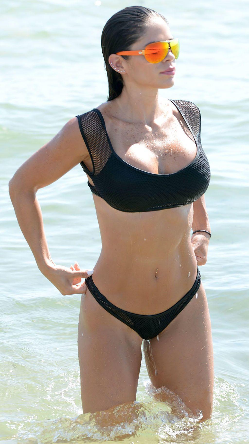 Michelle-Lewin-Bikini-6