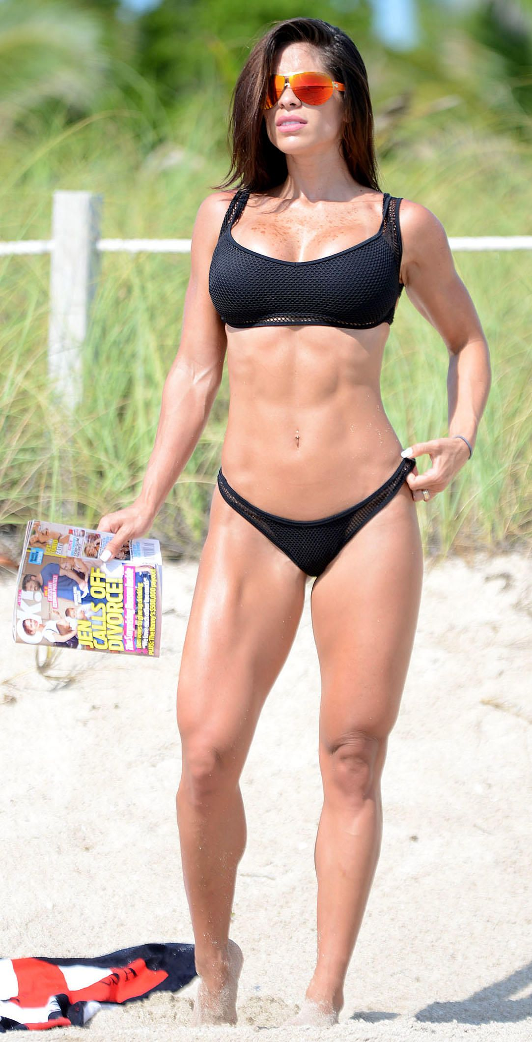 Michelle-Lewin-Bikini-7