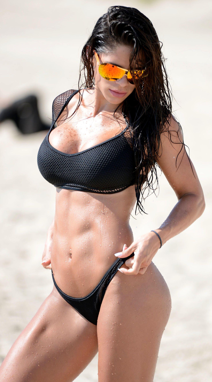 Michelle-Lewin-Bikini-8