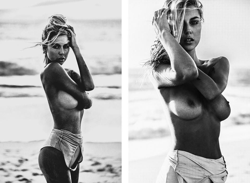 Sexy butt as naked beach babes
