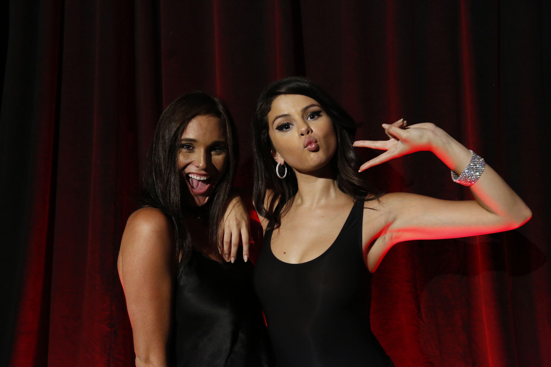 Selena-Gomez-Braless-1