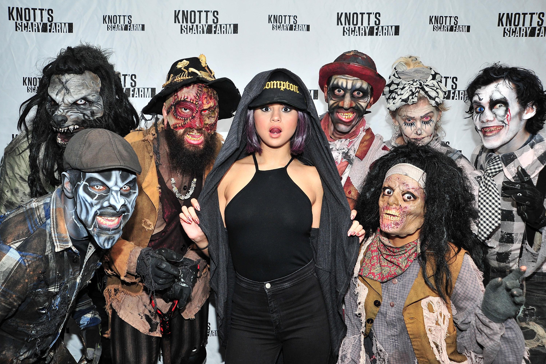 Selena-Gomez-Braless-Photo-6