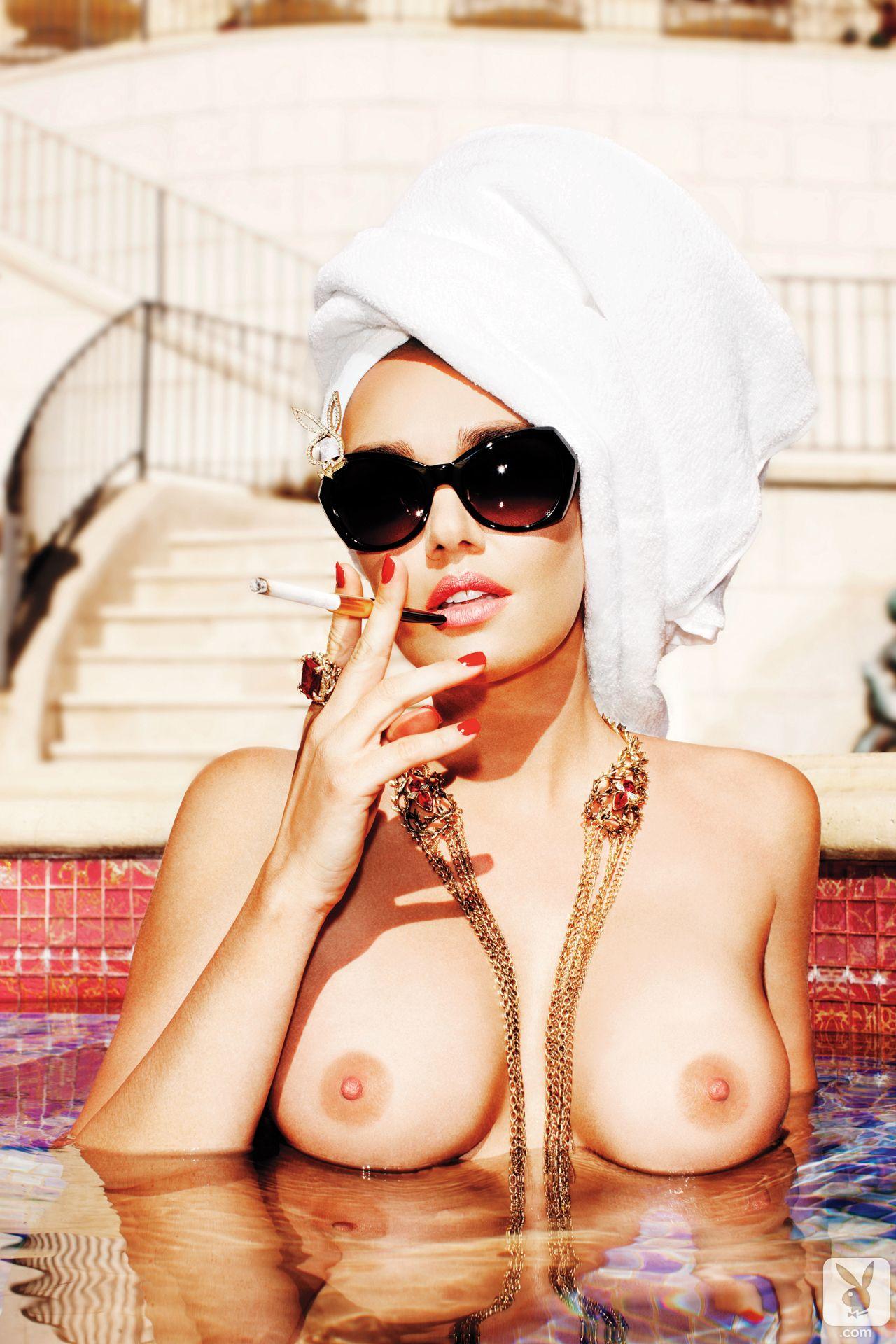 Tamara-Ecclestone-Topless-3