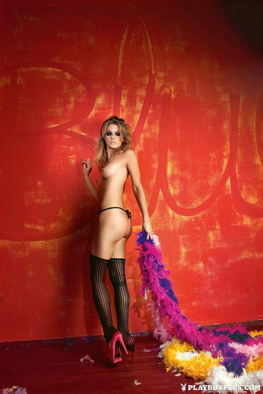 Ana Sakic naked pics  (5)