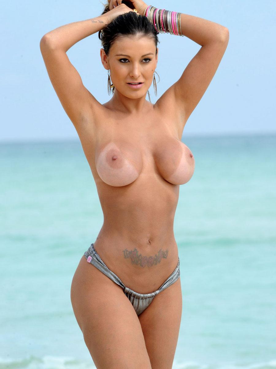 Andressa Urach nude photoshoot (11)