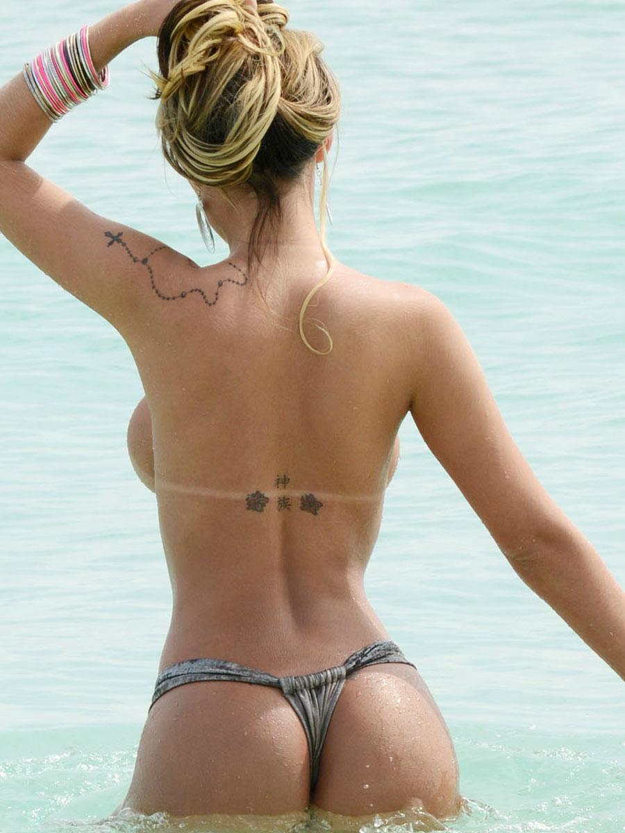 Andressa Urach nude photoshoot (13)