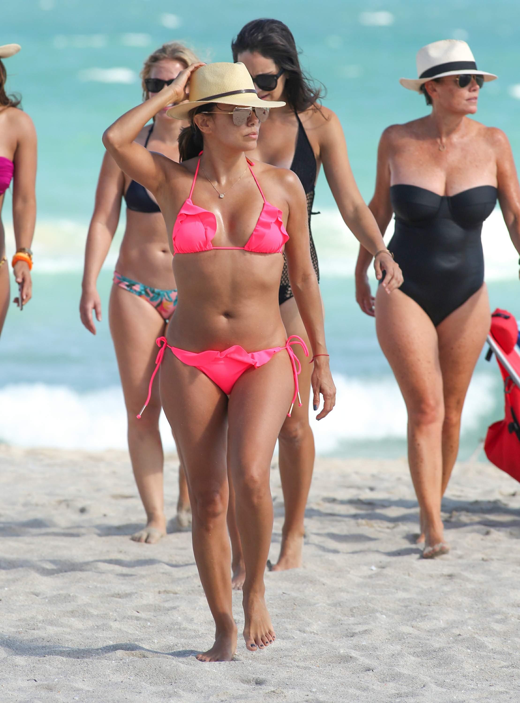 Eva-Longoria-in-a-Bikini-21