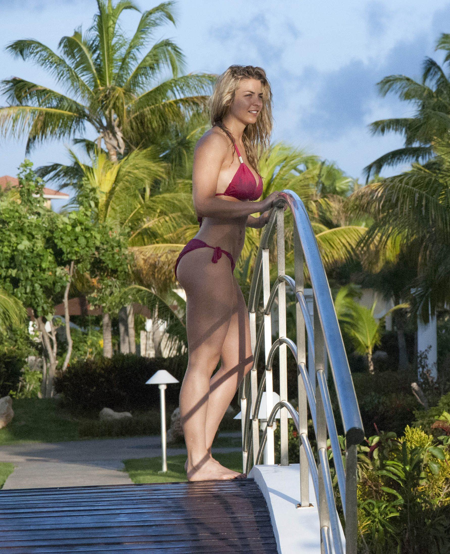 Gemma-Atkinson-in-a-Bikini-6