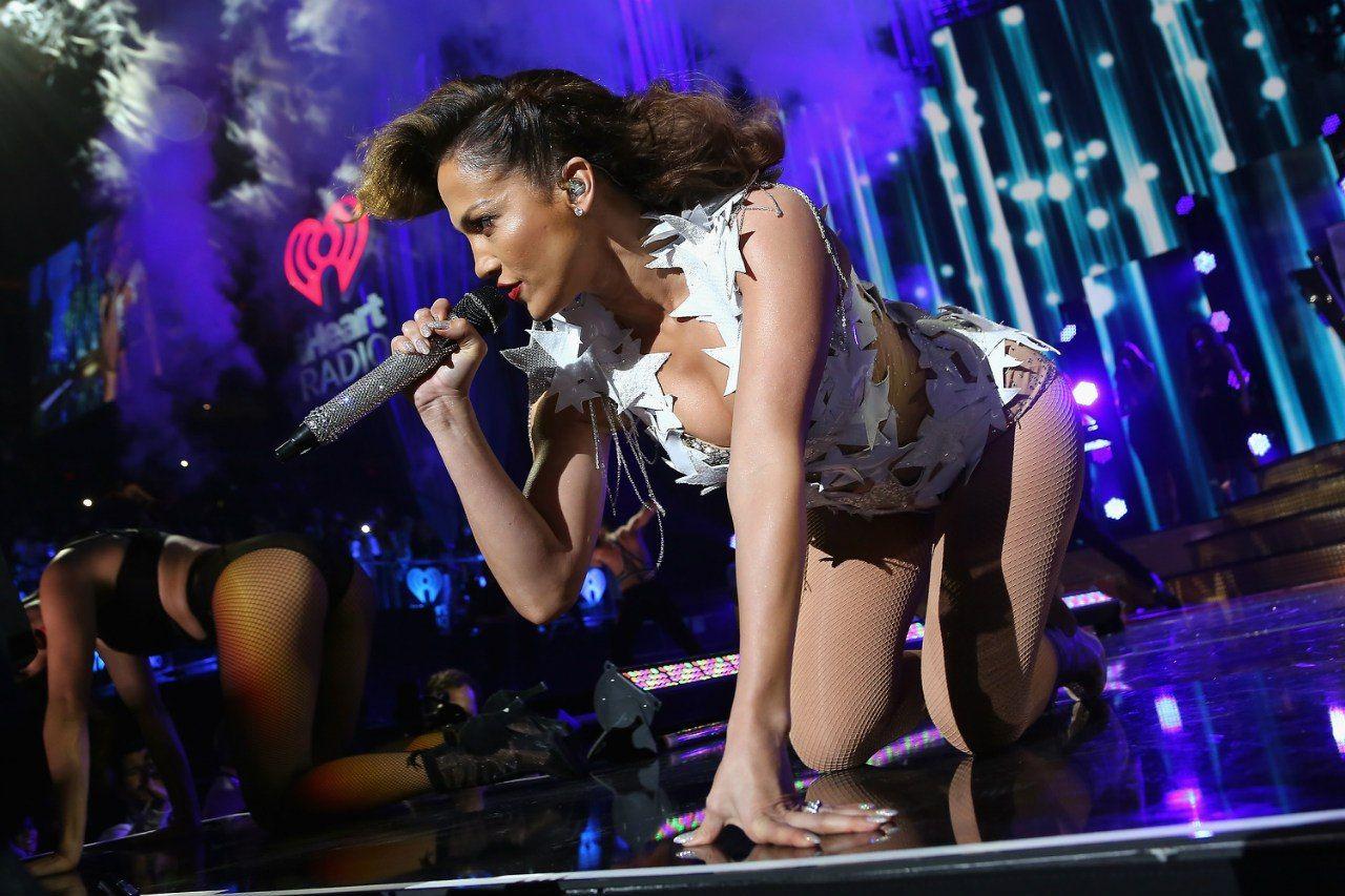 Jennifer-Lopez-Sexy-56
