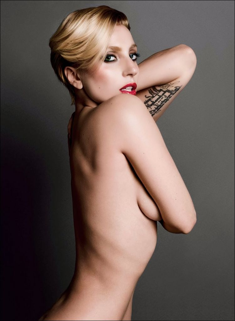 Lady-Gaga-Topless-5