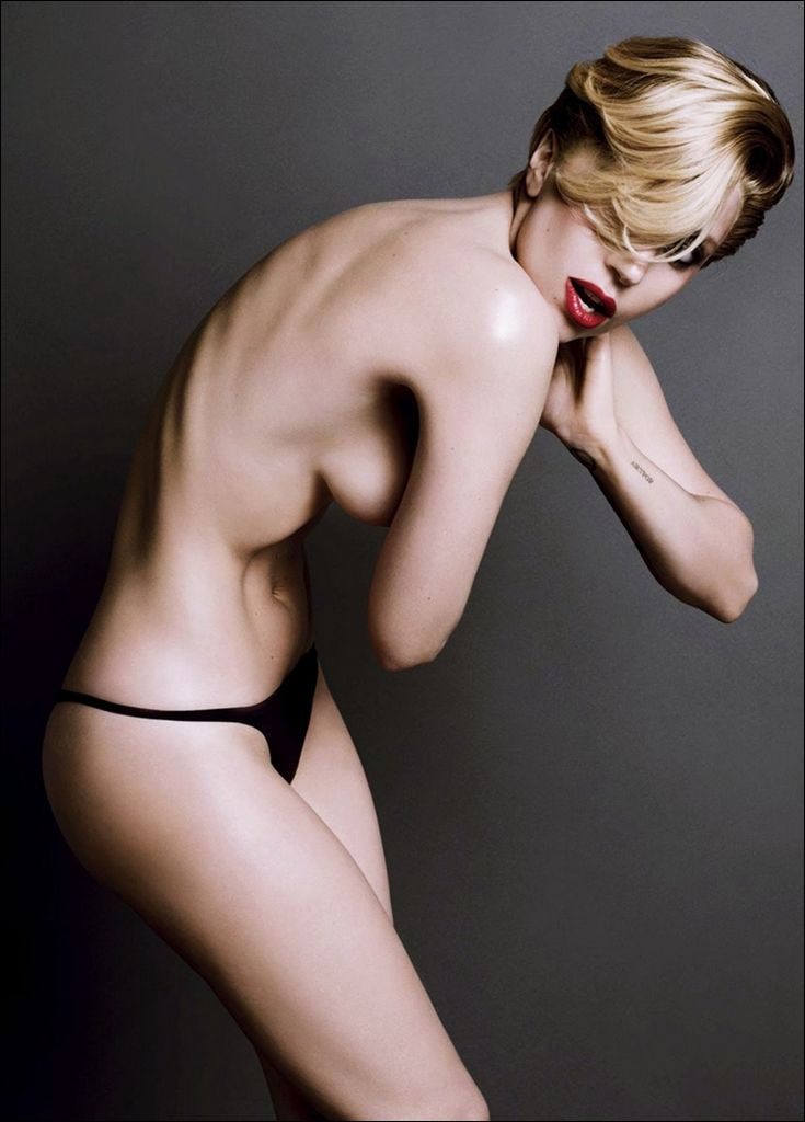 Lady-Gaga-Topless-6