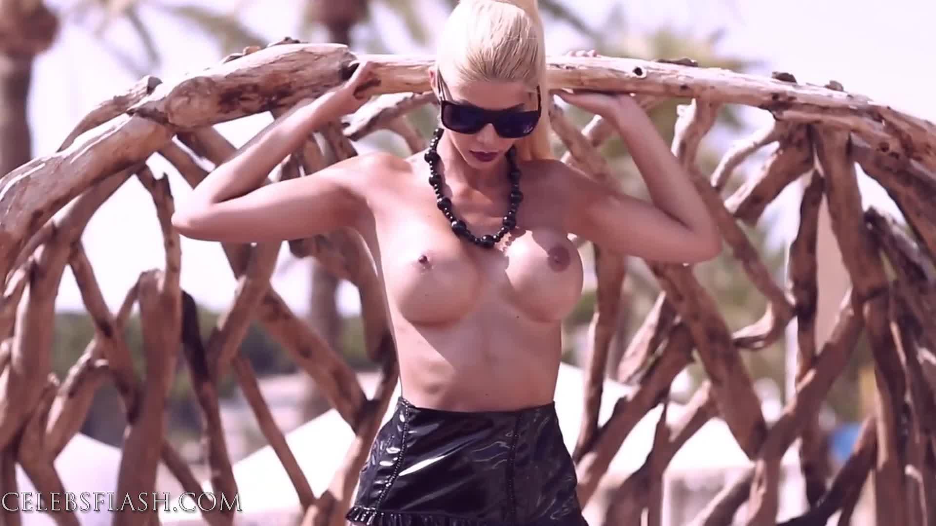 Micaela Schaefer nude photos (8)