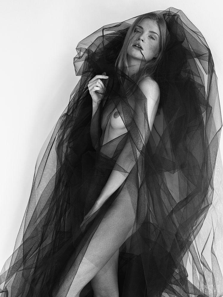 Monika-Rohanova-Nude-5