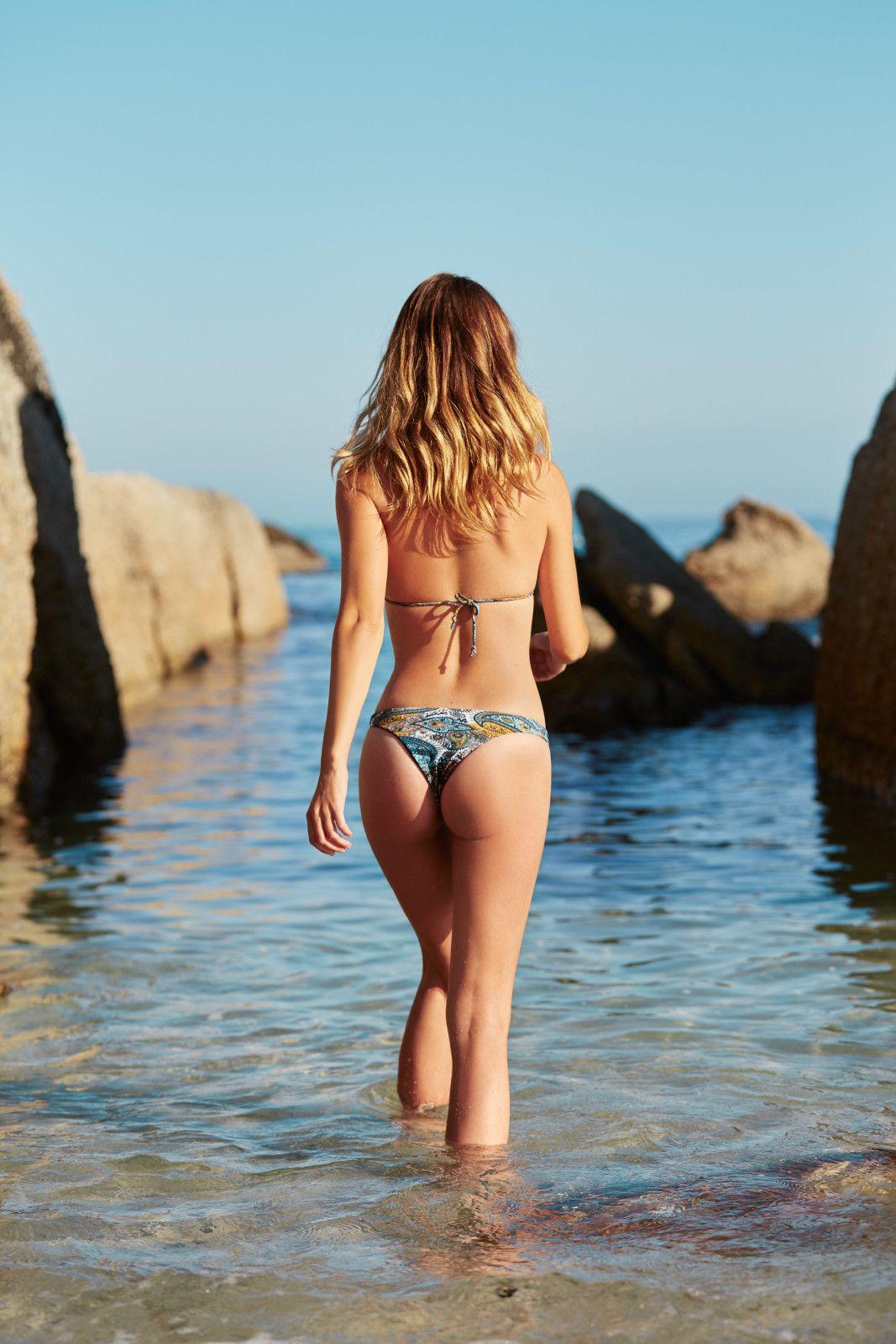 Annie-Ericson-Bikini-14