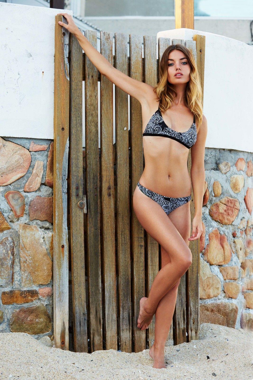 Annie-Ericson-Bikini-2