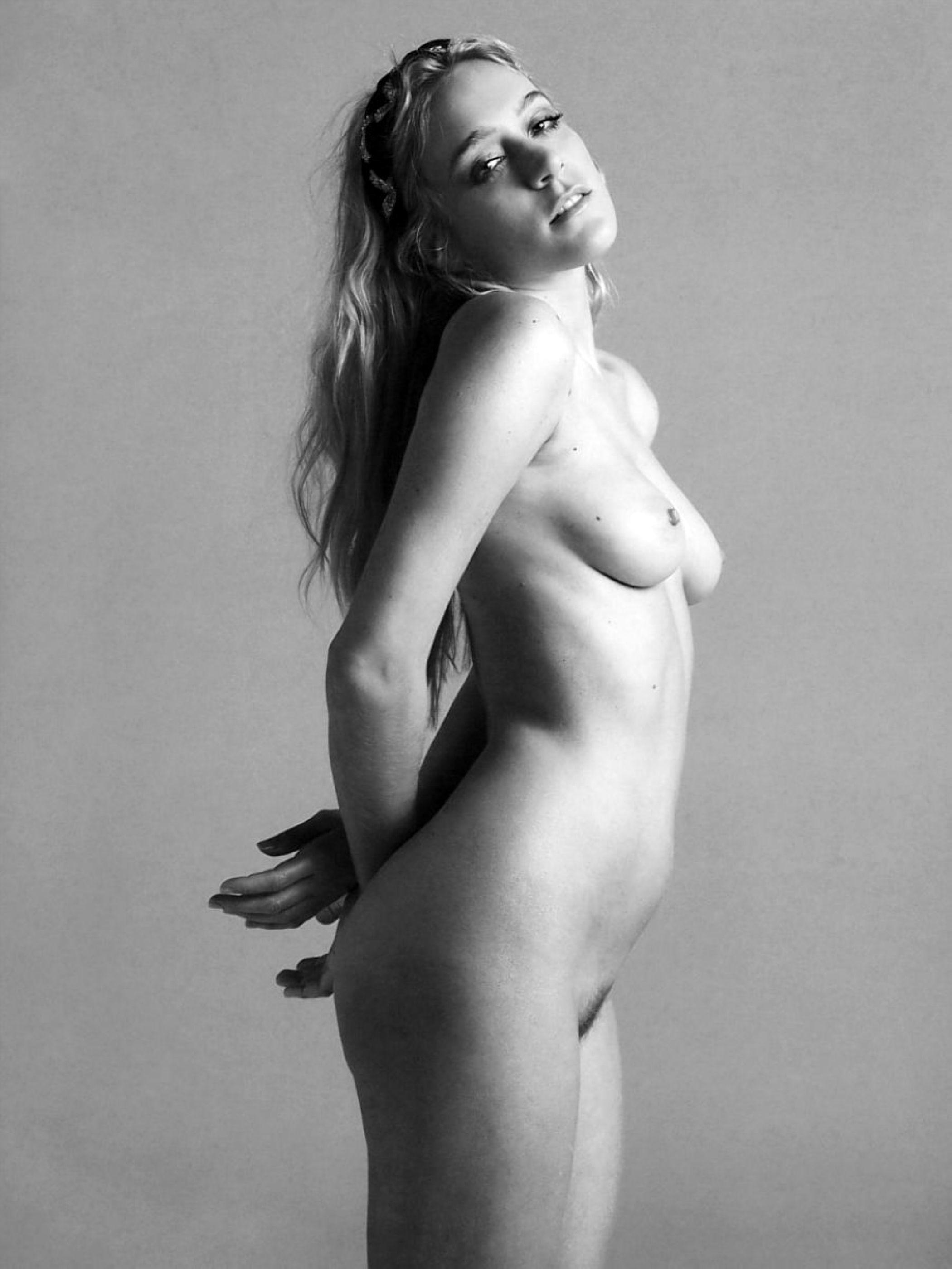 Chloe-Sevigny-Naked-3