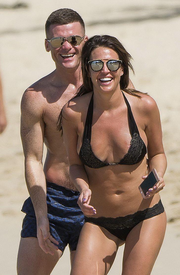 Danielle-Lloyd-in-a-Bikini-43