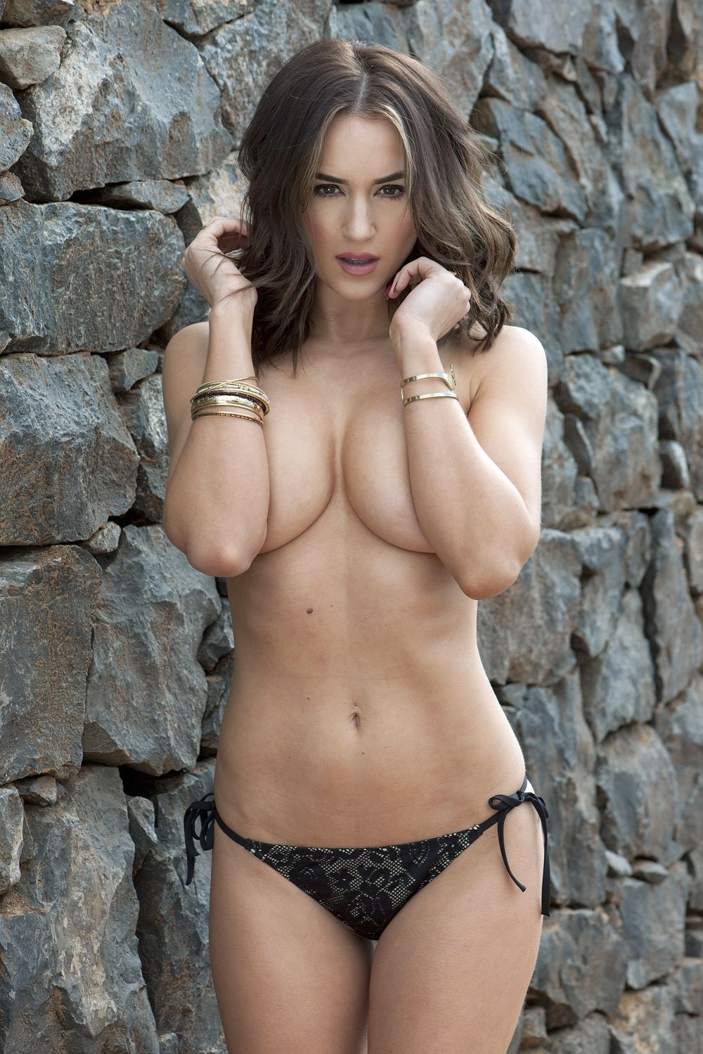 Rosie-Jones-Topless-41
