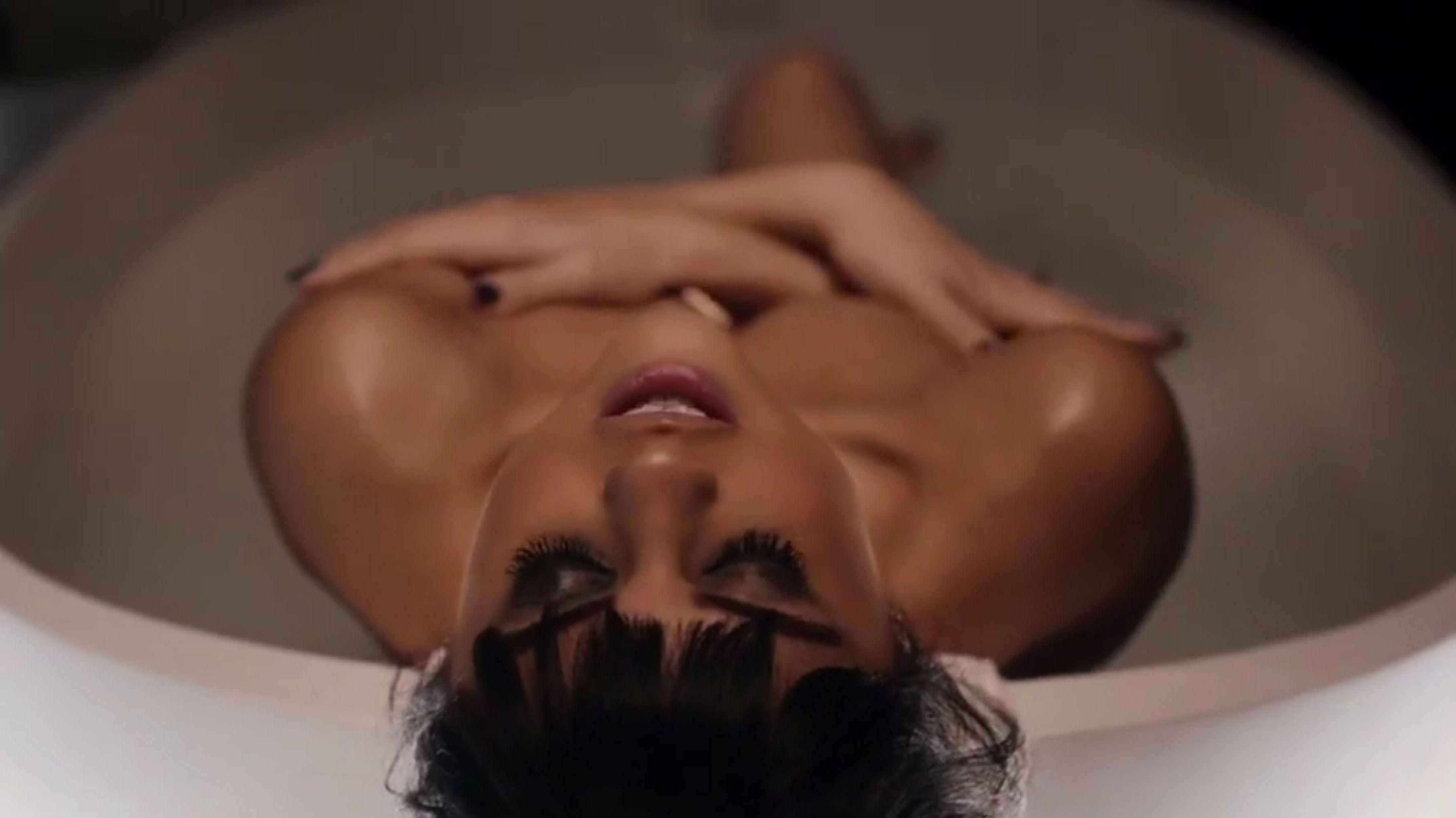 Selena-Gomez-Sexy-101
