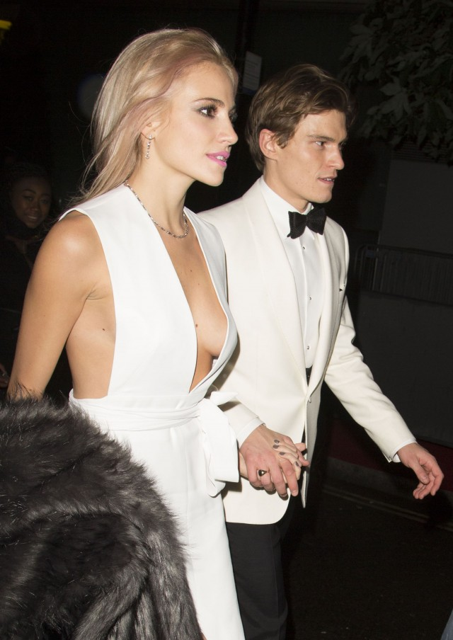 pixie-lott-2015-british-fashion-awards-05-640x904