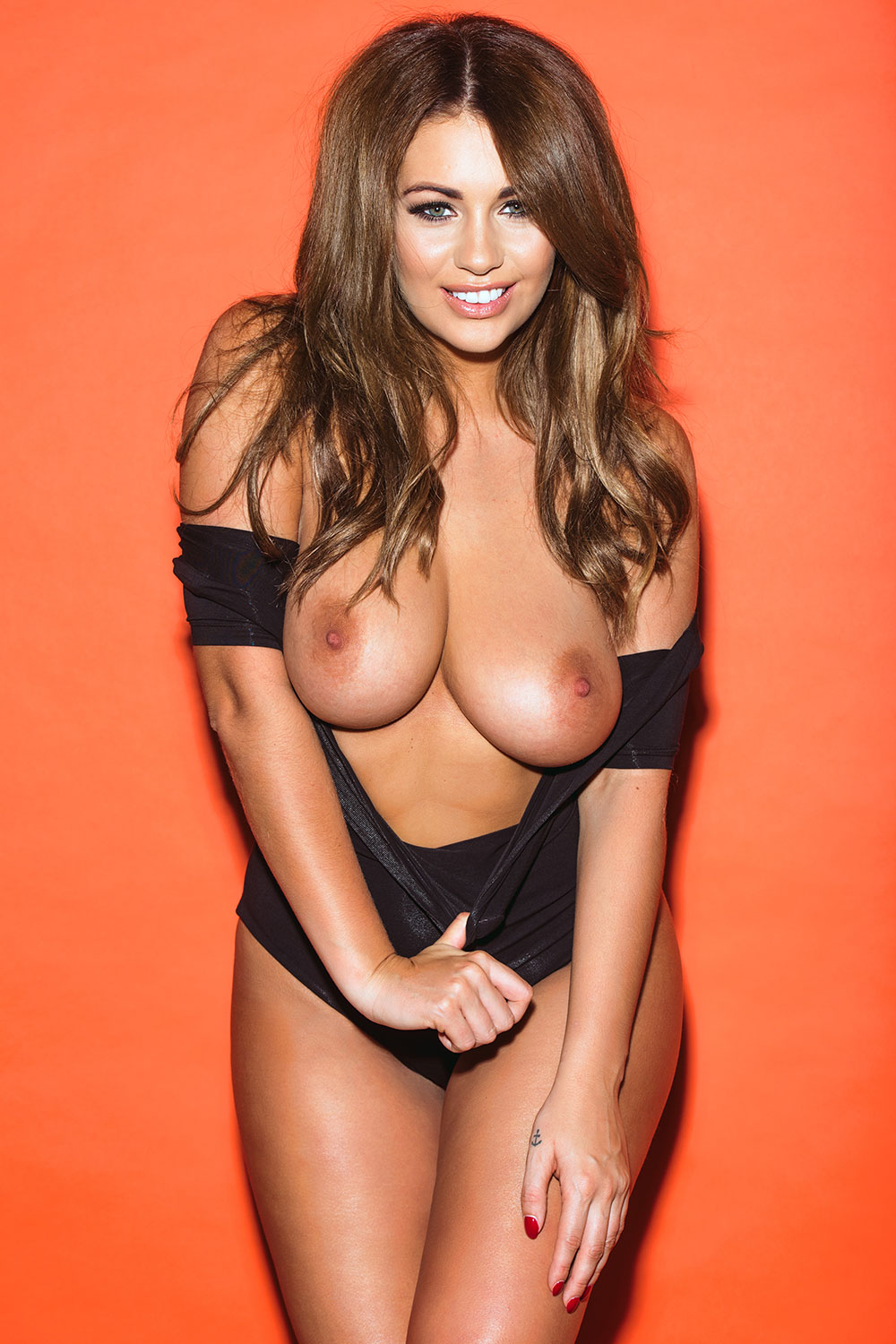 Holly-Peers-Topless-1-1