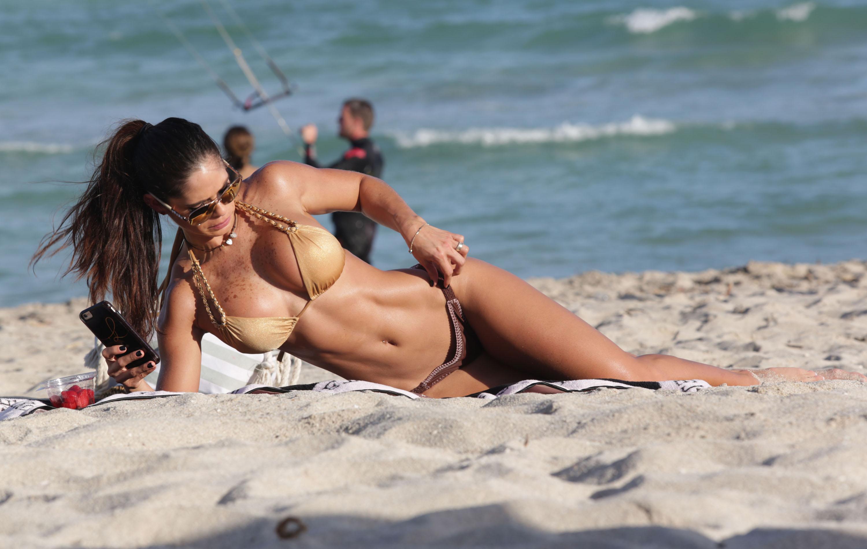 Michelle-Lewin-in-a-Bikini-13