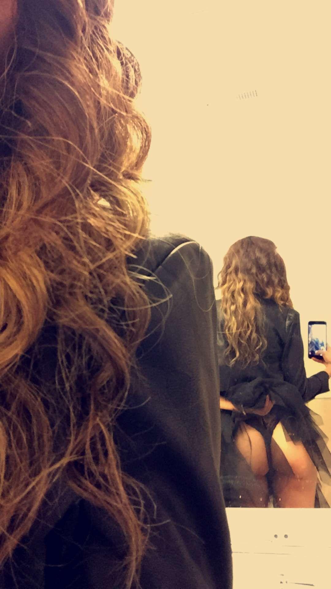 Nadine-Velazquez-Ass