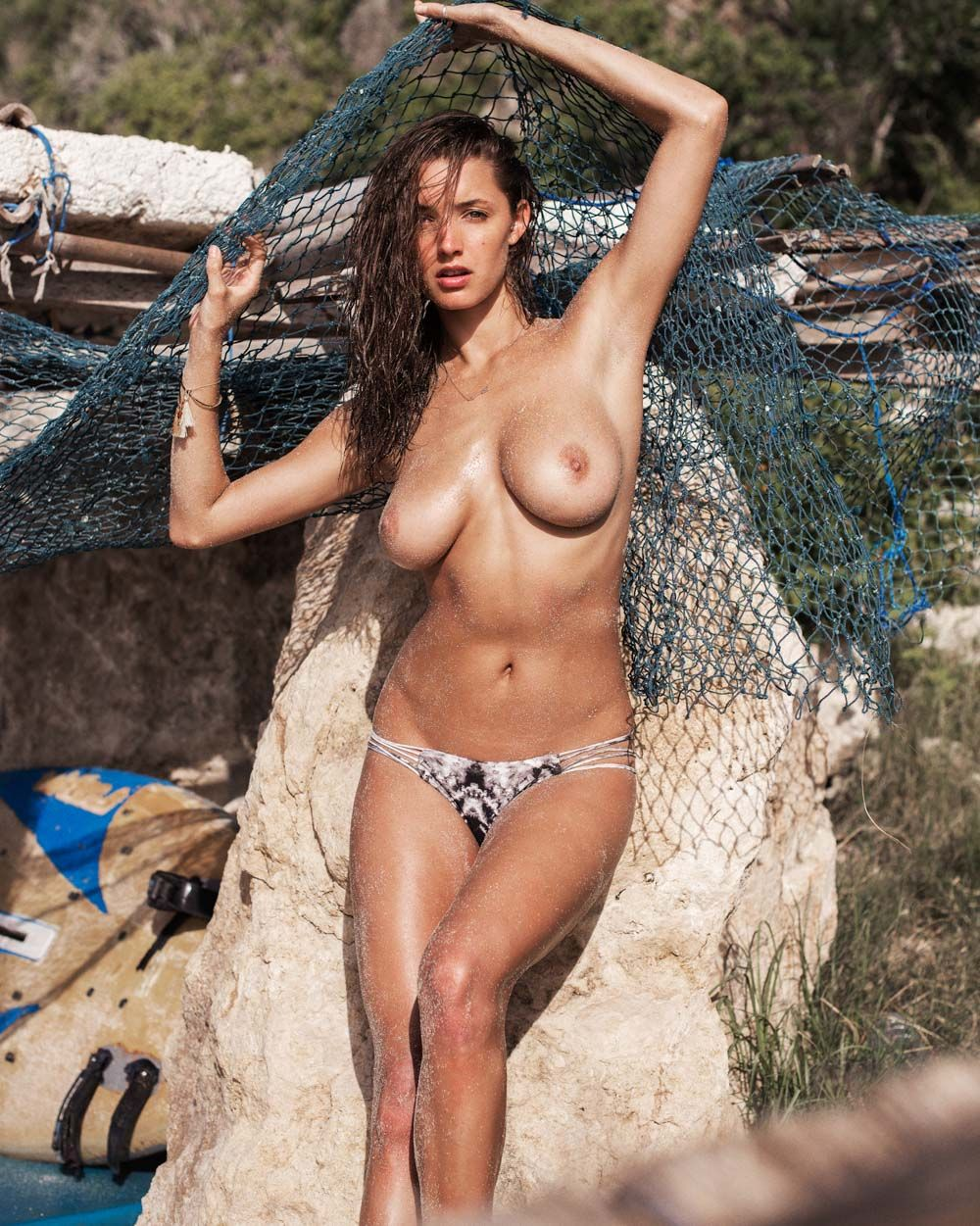 topless photoshoot of alyssa arce – #thefappening